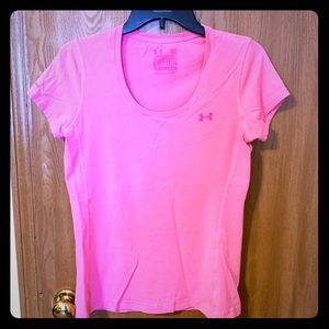 Under Armour Women's Pink Tee Size M